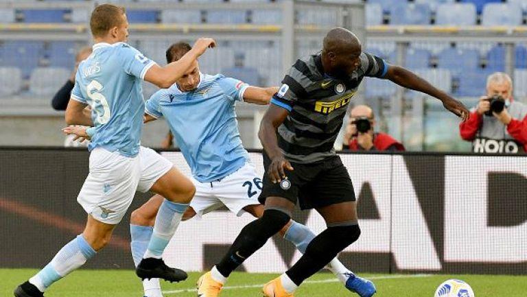Лацио и Интер не се победиха в мач с два червени картона