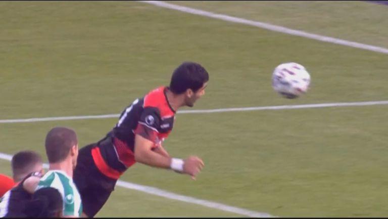 """""""Смърфовете"""" поведоха в резултата срещу Берое след хубав гол на Диниш Алмейда с глава"""