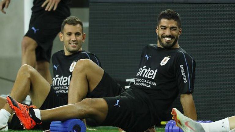 Суарес отново тренира с Уругвай, Кавани не получи повиквателна