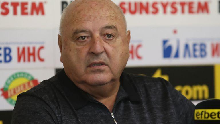 Босът на Славия: Загорчич си тръгна поради лични проблеми, надявам се Тарханов да ни води срещу Левски
