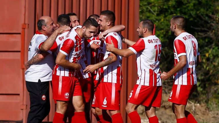 Партизан удари по Левски с гол на играещия треньор Любомир Иванов