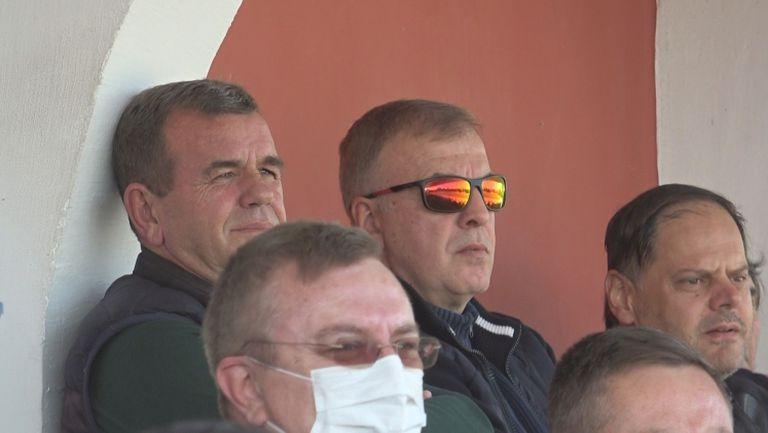 Сираков и Гетов в ложата на стадиона в Червен бряг