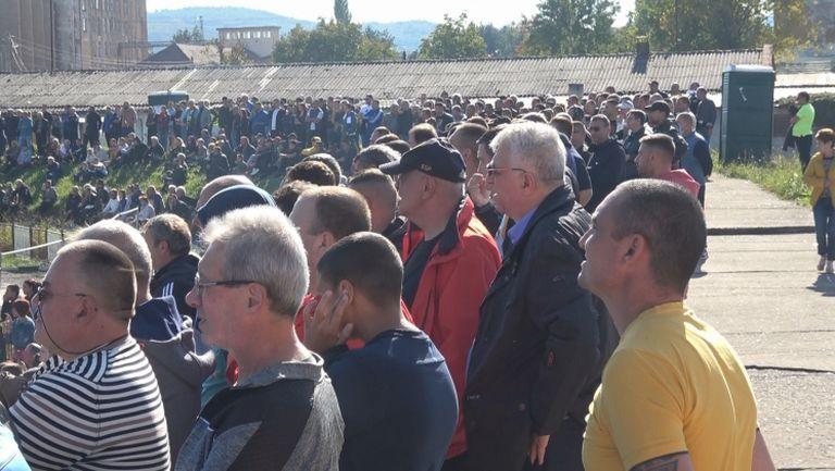 Стадионът се пръска по шевовете за Партизан - Левски