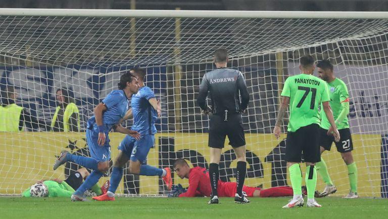 Райнов даде аванс на Левски срещу Черно море