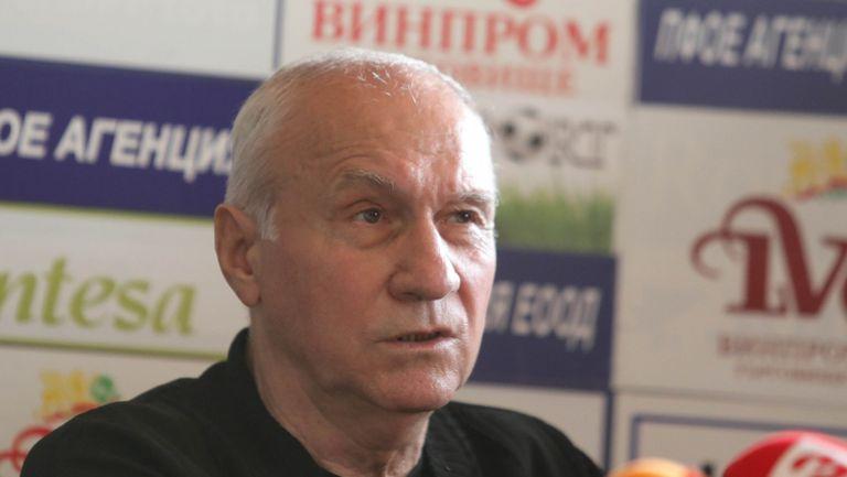 Стефан Аладжов: Ако искат в Левски да вземат треньор и от луната