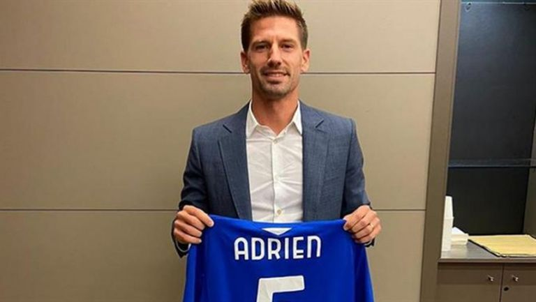 Адриен Силва подписа със Сампдория