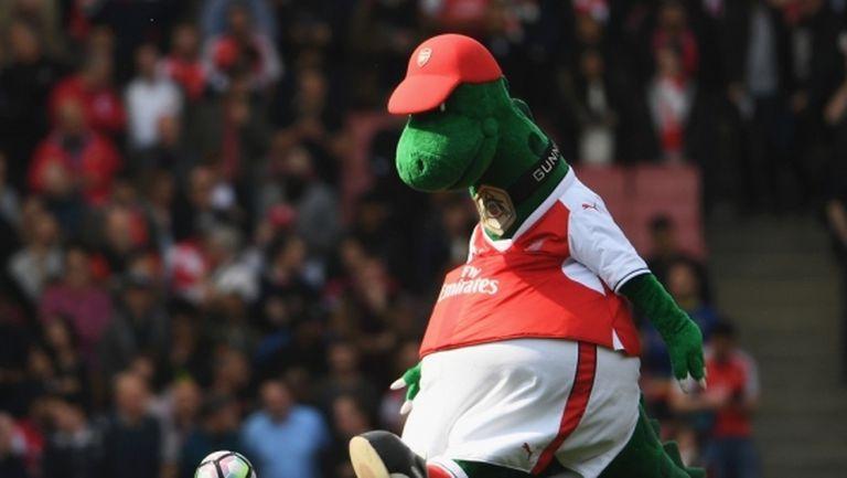 Арсенал уволни талисман след 27 години служба