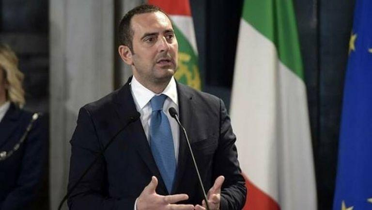 Няма риск за спиране на Серия А, увери спортният министър на Италия