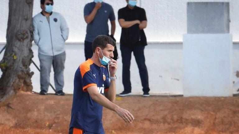 Треньорът на Валенсия остава, искат му 3 млн. да си тръгне
