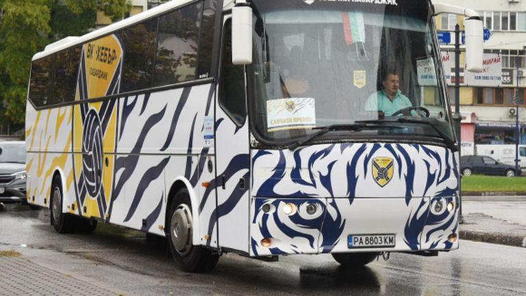 Хебър с нов брандиран автобус (снимки)