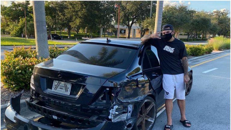 Майк Пери потроши своя мерцедес за $100 000
