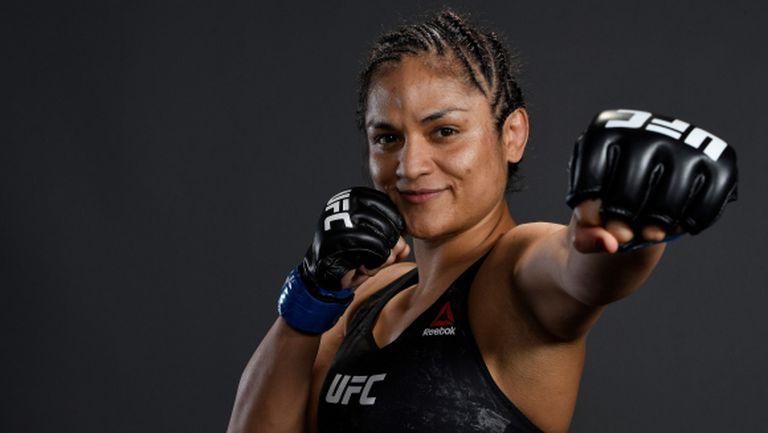 COVID-19 изхвърли американка от UFC 254