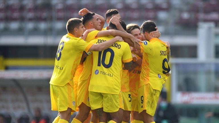 Каляри изкова първа победа и влоши още повече положението на Торино