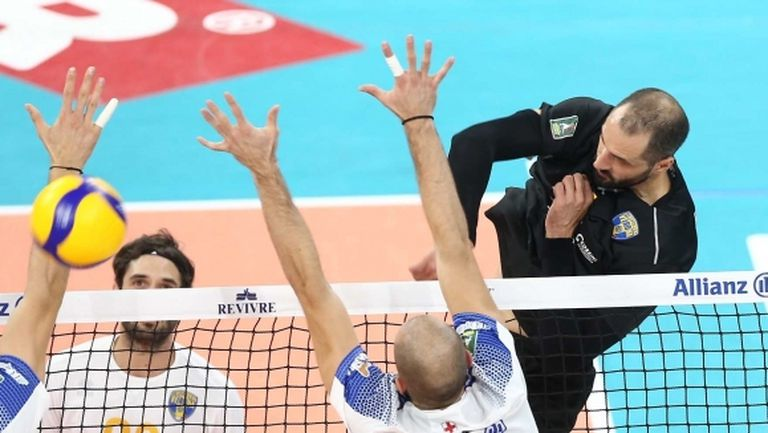 Матей Казийски отново показа световен волейбол, заби 25 точки (6 аса), но Верона загуби (видео + галерия)