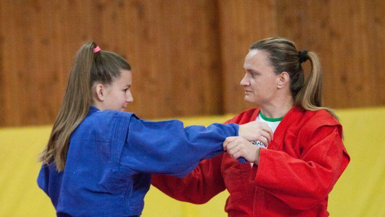 Самбистите гонят 2-3 медала от световното