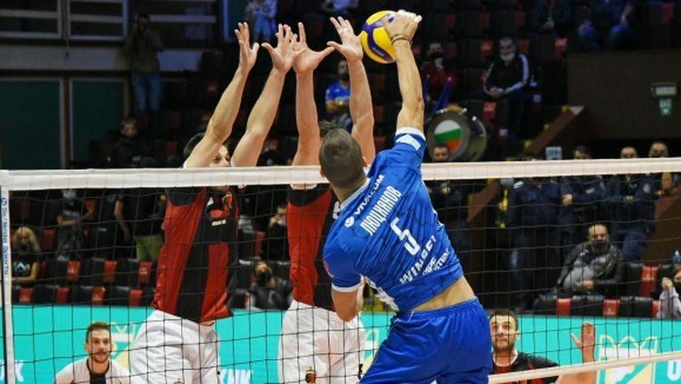 Коронавирус отложи мача Левски - Локомотив (Пловдив)
