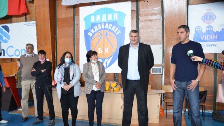 Волейболни величия бяха гости на Видин за Деня на волейбола (видео)