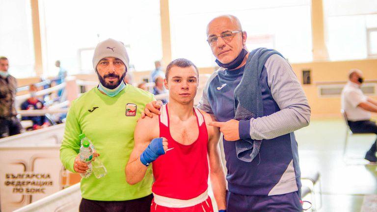 България с три бронзови медала от Европейското по бокс в Розето