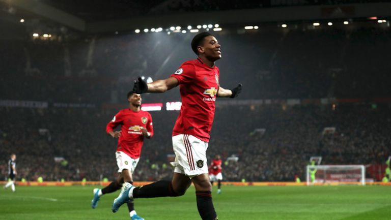 Манчестър Юнайтед в празнично настроение (видео)