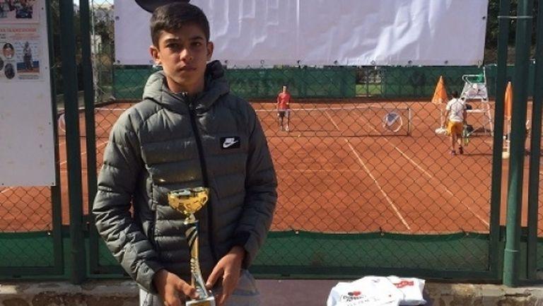 Младите таланти на българския тенис – Адрияно Дженев