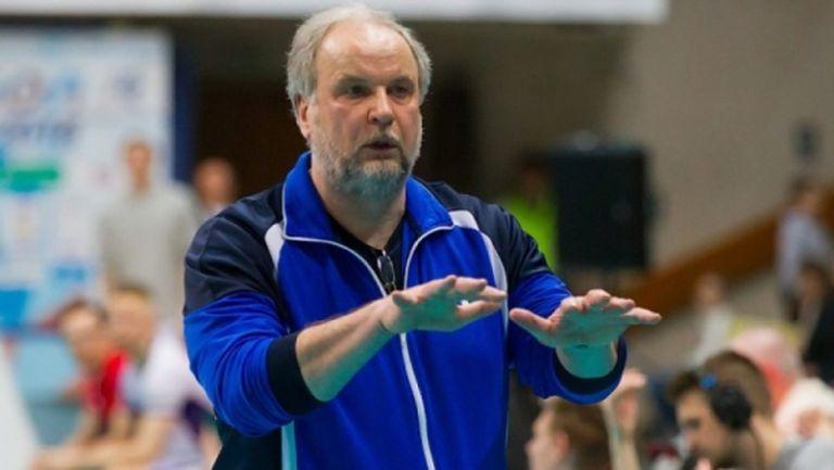Розалин Пенчев с нов треньор в Белогорие