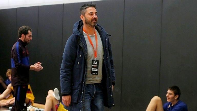 Наваро помага на талантите на Барселона