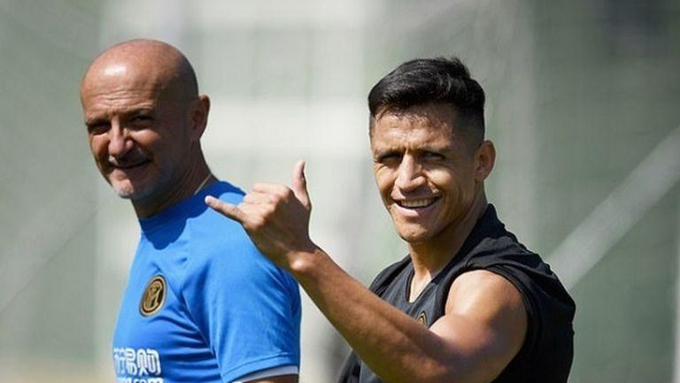 Алексис не планира да се връща в Ман Юнайтед