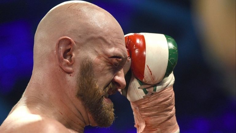 """""""Боксовата библия"""" още счита Тайсън Фюри за номер 1, Кобрата е 10-и"""