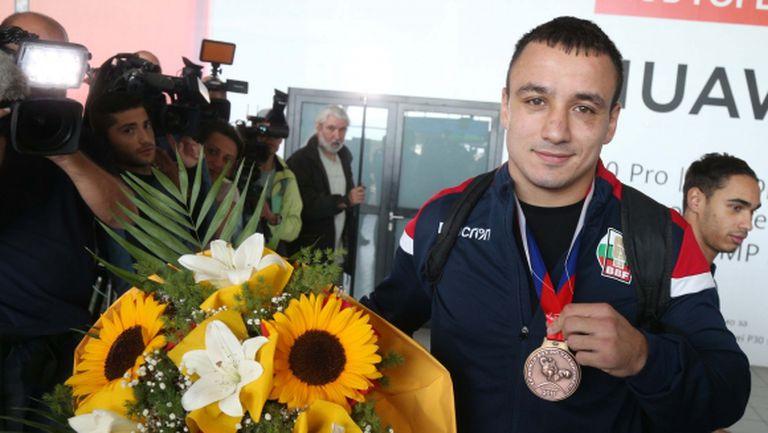 България се класира на 10-о място по медали на Световното първенство по бокс
