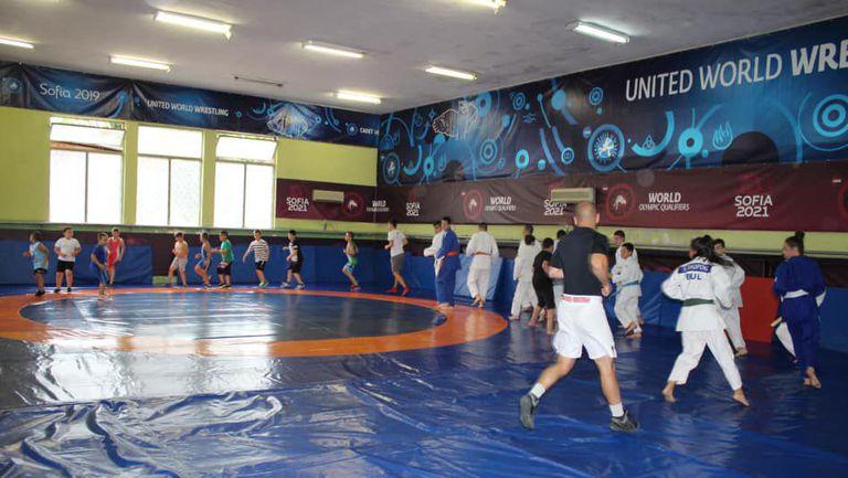 Борбата и джудото ще делят една зала в Пазарджик