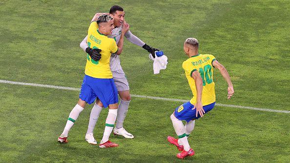 Бразилия беше по-точна от Мексико при дузпите и ще играе финал
