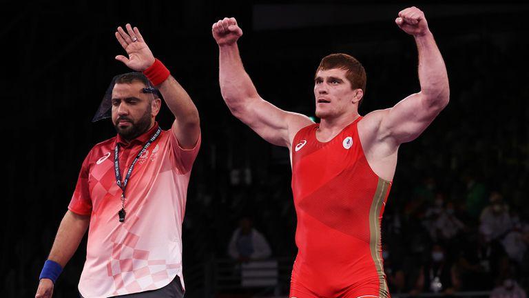 Евлоев надви Алексанян в битката на титаните до 97 кг