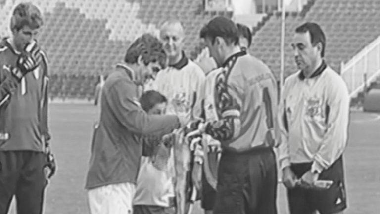 Роси като капитан срещу България