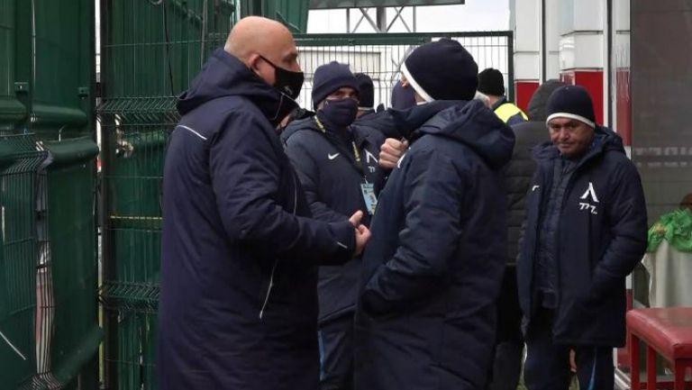 Гошо Тодоров съветва Стоянович преди мача с Царско село