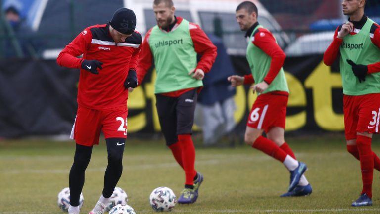 Царско село загрява преди домакинския си мача срещу Левски