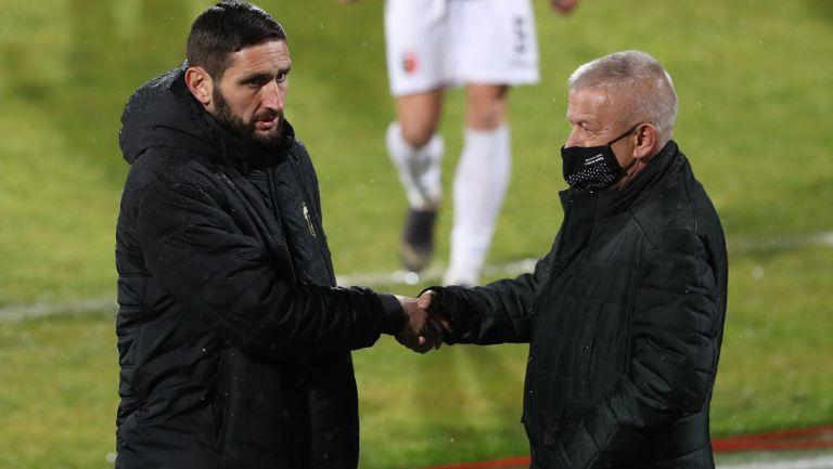 Крушарски надъхва смърфовете преди мача със Славия