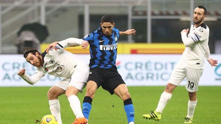 Интер продължава гонитбата с Милан