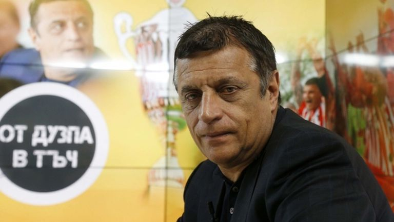 Слух праща Стойне Манолов в Ботев (Пд), бизнесменът отрече пред Sportal.bg