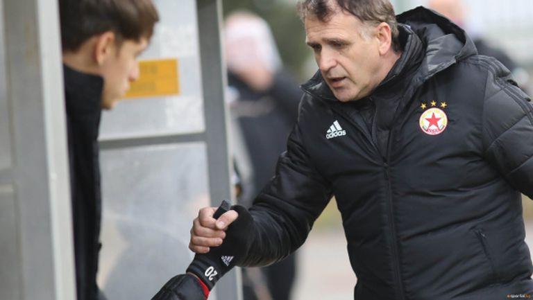 Акрапович стана четвъртият чужд треньор със 100 мача в елита на футбола ни