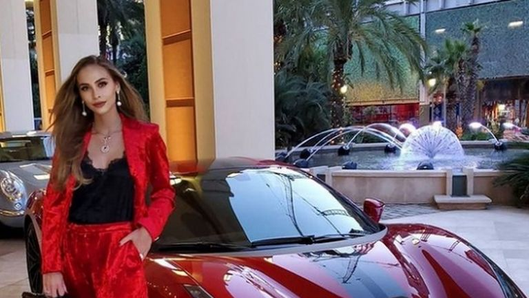 Новата любов на Григор Димитров взриви улиците на Монако с Ферари и български хит (видео)