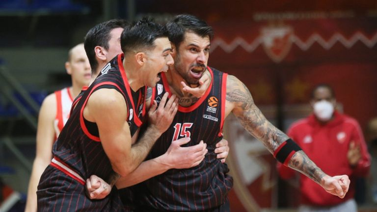 Олимпиакос с нова победа в Евролигата, Везенков игра само три минути