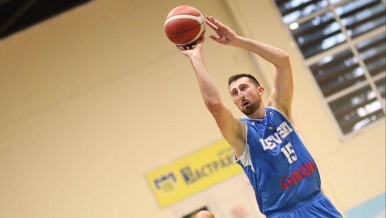 Тасич и Костов комбинираха за 53 точки, а Левски Лукойл вече е 5-0