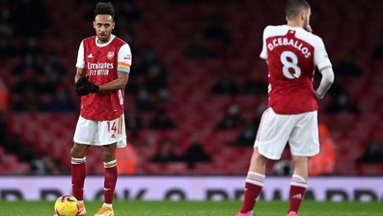 Обамеянг вкара, но в грешната врата, а Арсенал изравни 60-годишен антирекорд (видео)