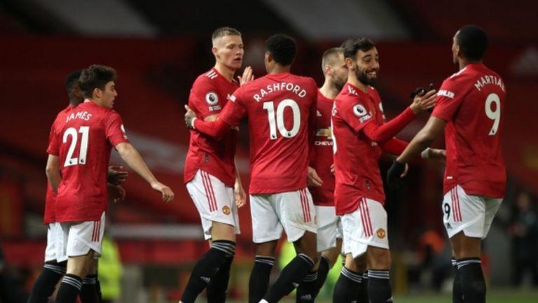 """Ман Юнайтед съсипа Лийдс при подновяването на """"Войната на розите"""" и излезе на трето място (видео)"""