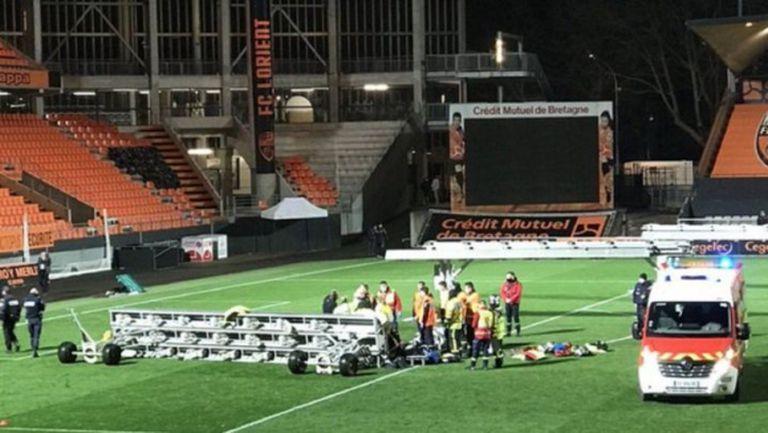 Трагичен инцидент на терена след мач от френското първенство