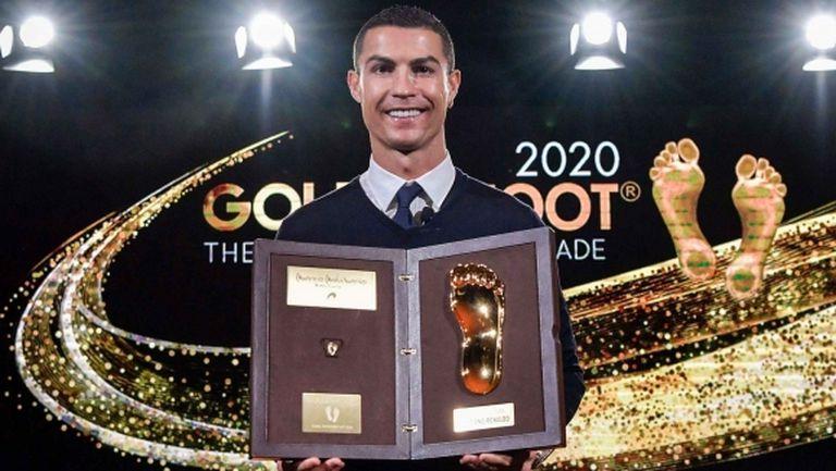 Кристиано Роналдо получи наградата си Golden Foot
