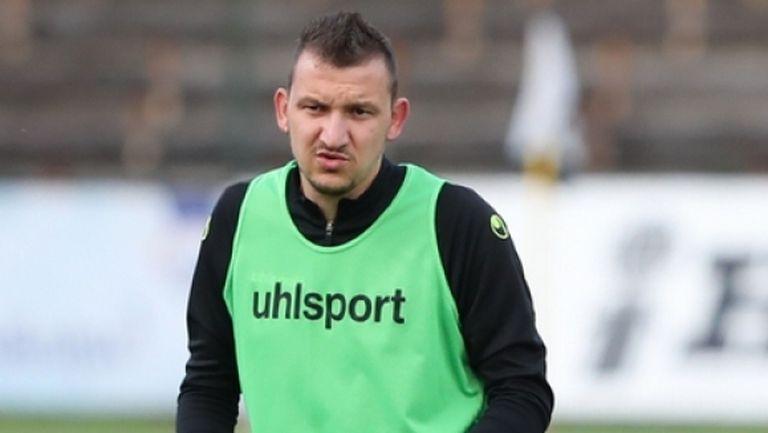 Зингаревич не иска Неделев в Ботев?