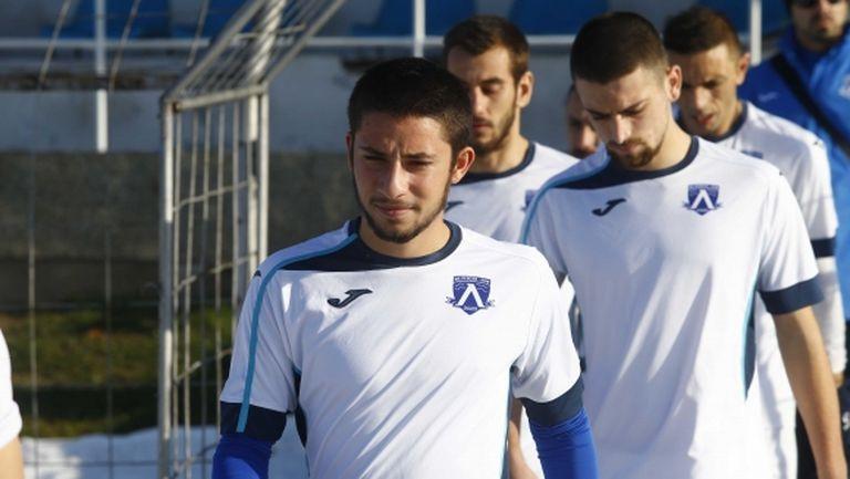 Левски (Лом) се подсили с двама футболисти