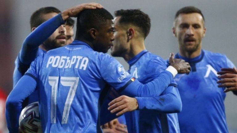 Унгарски и турски клубове се включват в битката за Робърта
