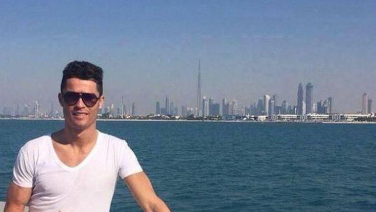 Роналдо избяга в Дубай и подразни обикновените италианци
